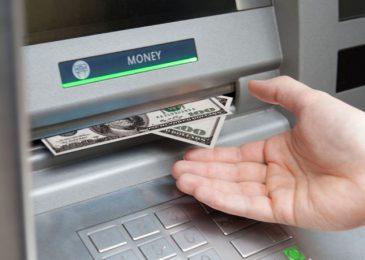 Hướng dẫn Cách Rút tiền ATM các ngân hàng 2021 dễ cho lần đầu