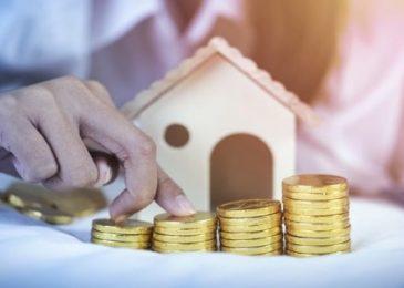 Có tiền nhàn rỗi 50-100 triệu nên mua vàng hay gửi tiết kiệm 2020