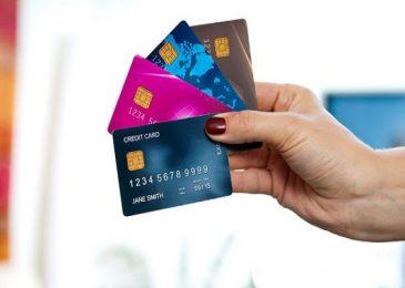 Số tiền bị phong tỏa trong thẻ tín dụng là gì? Làm cách nào để lấy được?